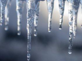 凍結 氷柱 ツララ
